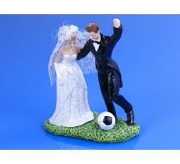 Figurka Para Młoda z piłką nożną PF31