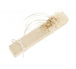 Pudełeczko z kremowymi różyczkami PDRU4